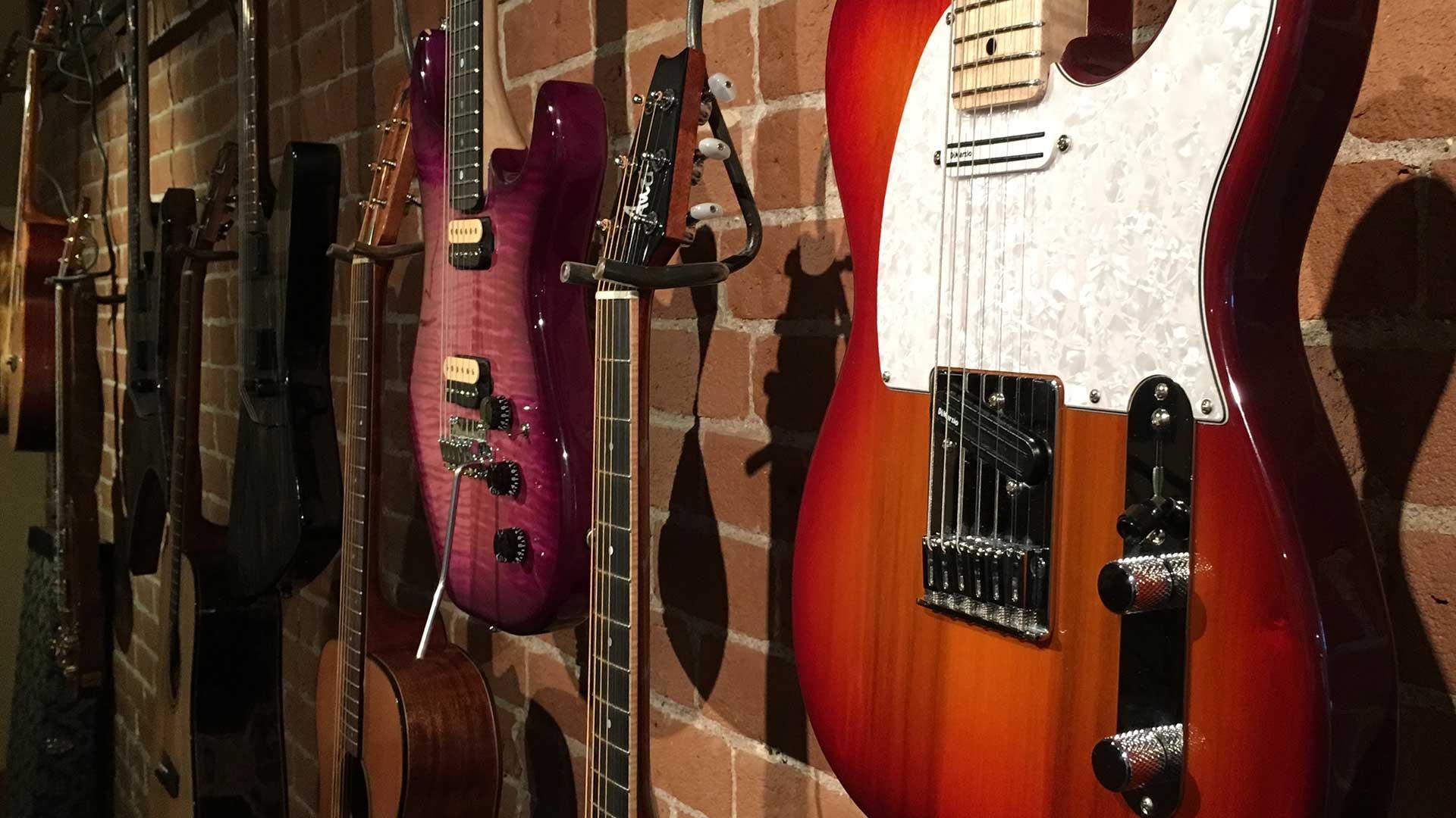 robertop venn gallery guitars Course Details
