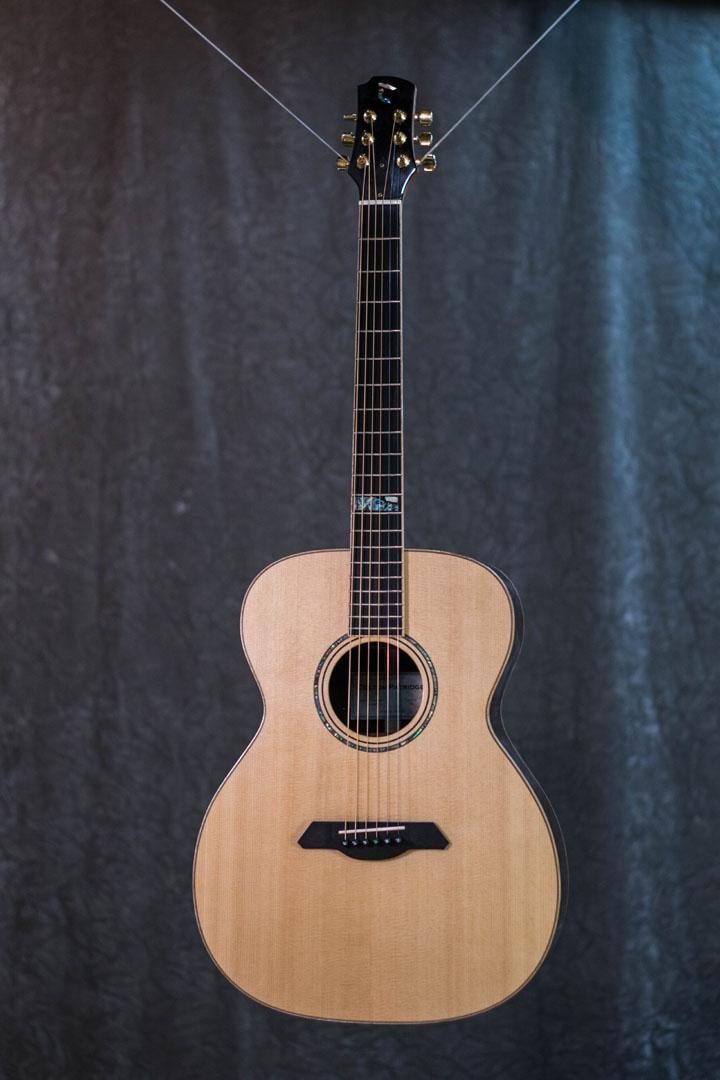 roberto venn student guitarAcousticFinals 11 Fall 2018