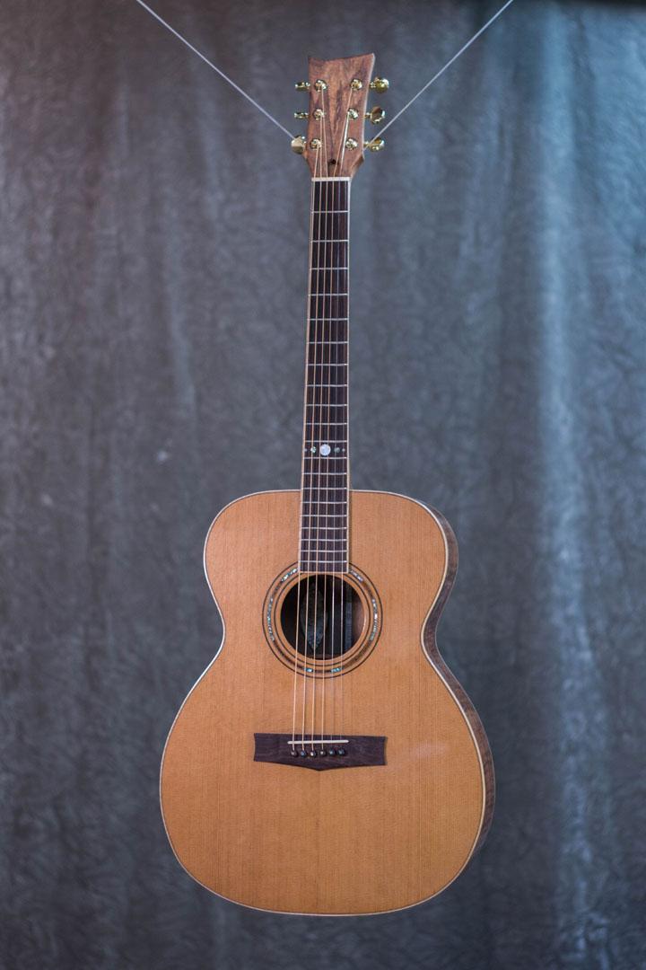 roberto venn student guitarAcousticFinals 19 Fall 2018