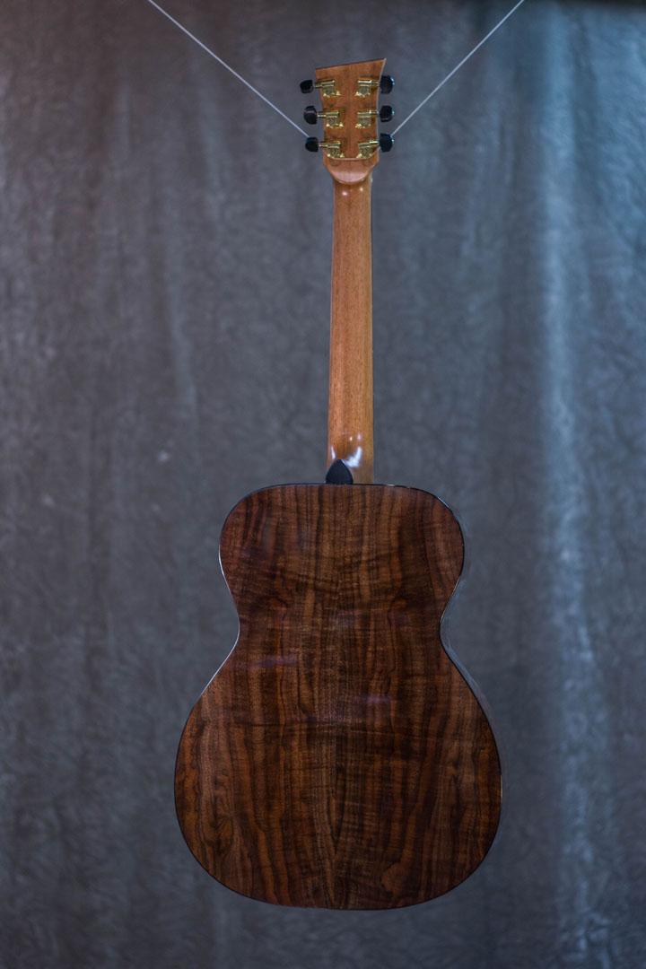 roberto venn student guitarAcousticFinals 26 Fall 2018
