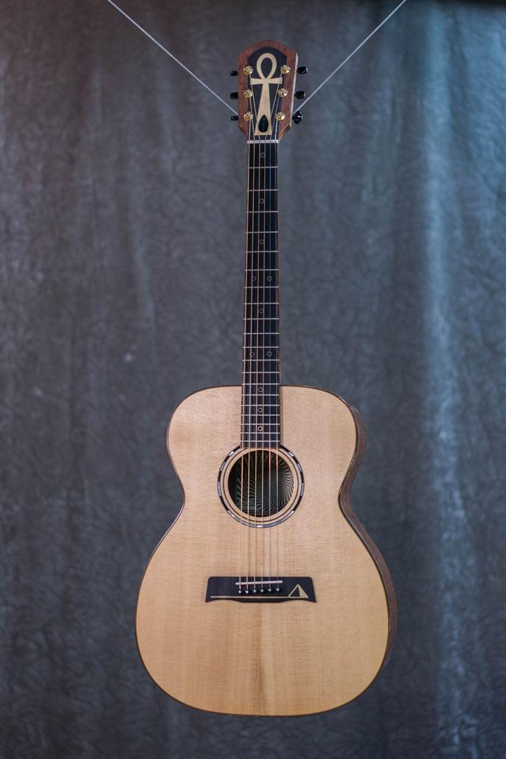 roberto venn student guitarAcousticFinals 29 Fall 2018