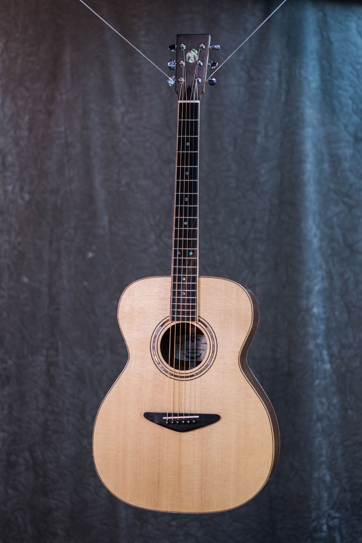 roberto venn student guitarAcousticFinals 3 Fall 2018