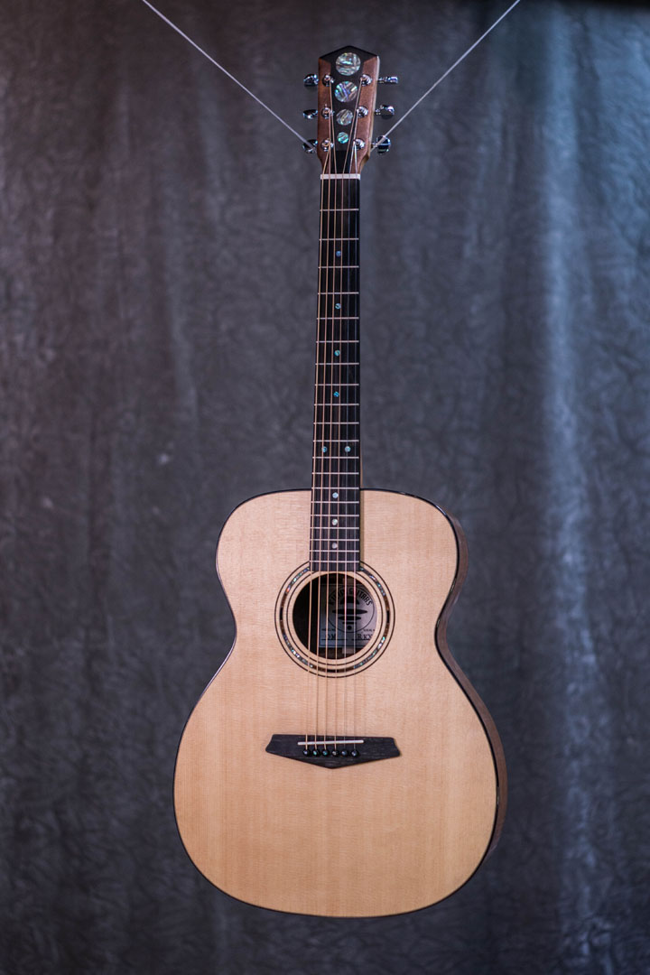 roberto venn student guitarAcousticFinals 35 Fall 2018