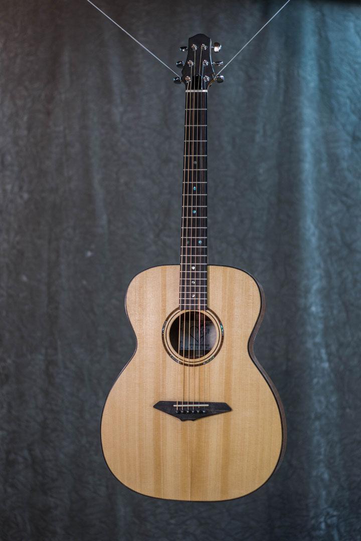 roberto venn student guitarAcousticFinals 37 Fall 2018