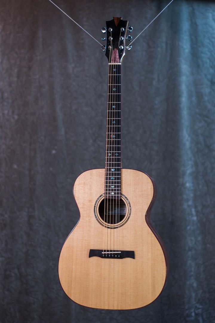 roberto venn student guitarAcousticFinals 5 Fall 2018