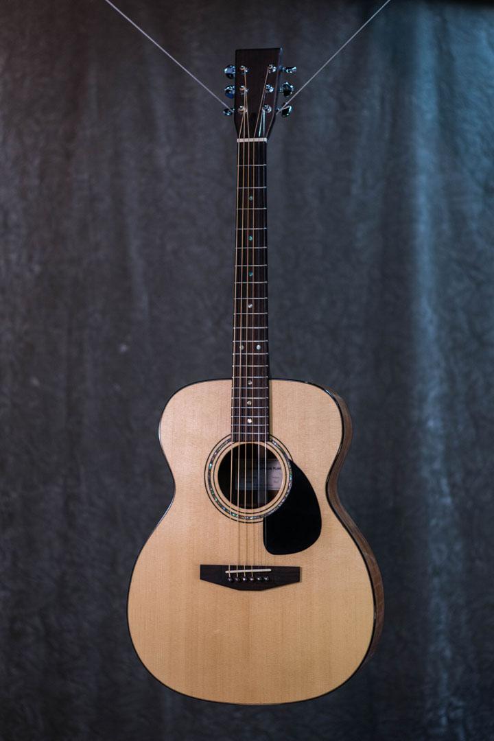 roberto venn student guitarAcousticFinals 7 Fall 2018