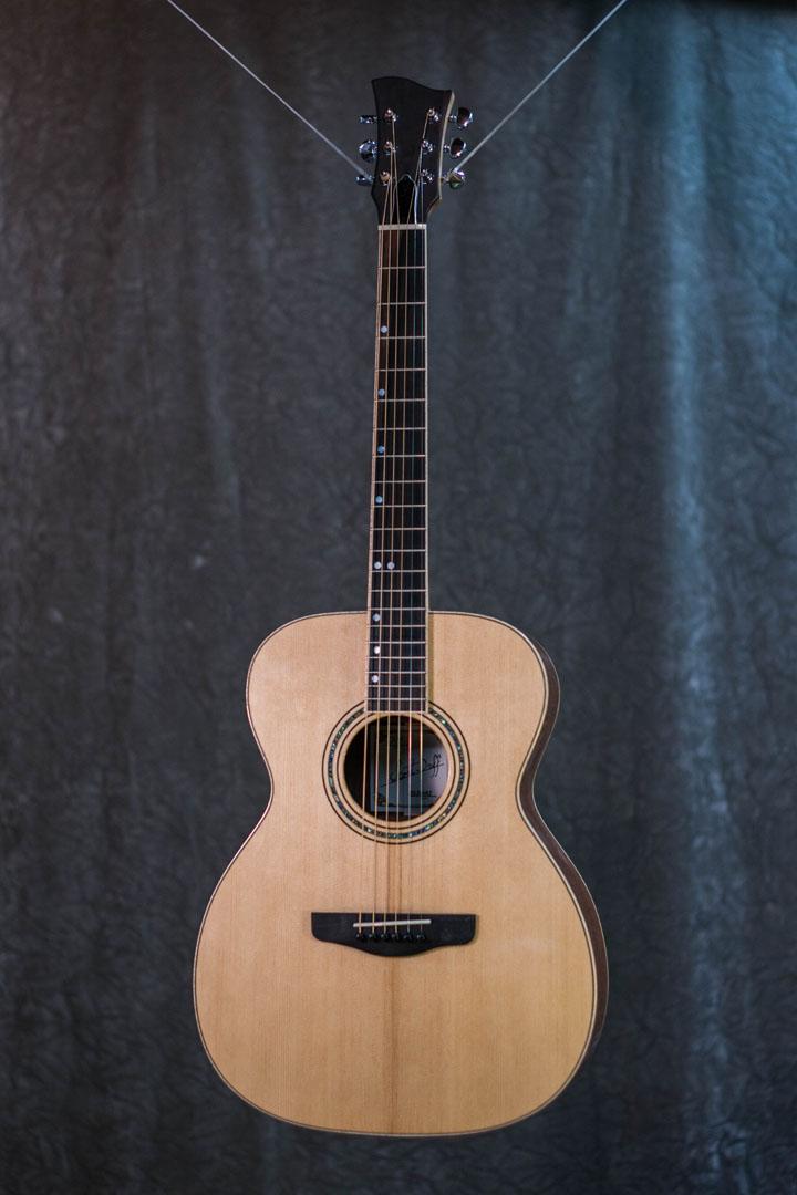 roberto venn student guitarAcousticFinals 9 Fall 2018