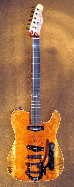 roberto venn student guitarReedMohn1 Fall 2014