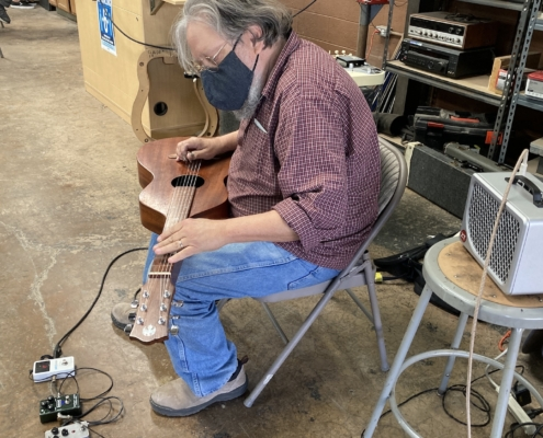 Jon Rauhose 2 Roberto Venn S2021 495x400 Spring Class 2021   Eisenberg Instruments   Jon Rauhouse Lap Steel Demo