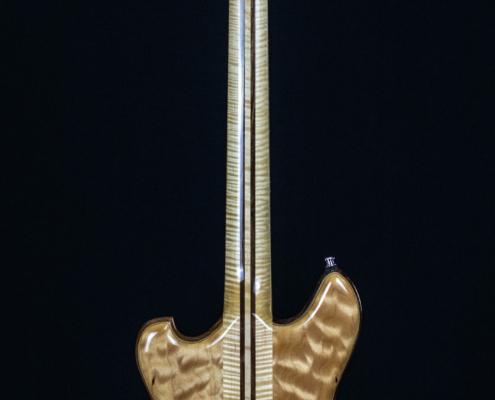Roberto Venn Reuter Wolf Back 495x400 Baldacci Guitars, Shop Life and Recent Visitors!