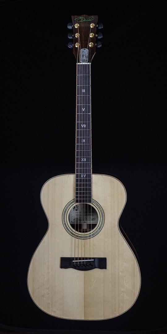 roberto venn student guitar Acoustic Bryan front04 Spring 2021