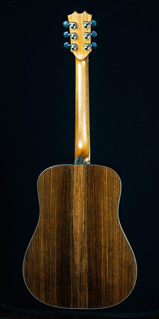 roberto venn student guitar Acoustic Evan Back07 Spring 2021