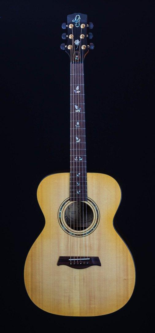 roberto venn student guitar Acoustic Joncas Front16 Spring 2021